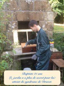 Photo de Baptiste 21 ans atteint du syndrome de Dravet - Le jardin n'a plus de secret pour lui